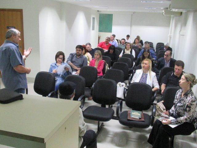 Coletivo Jurídico da Contee discute formas de resistência a Reforma Trabalhista